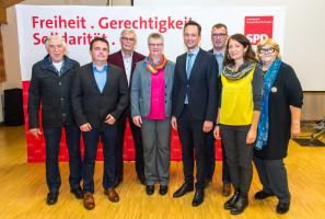 Landrat Florian Töpper mit den Kandidatinnen und Kandidaten aus den Steigerwald-Gemeinden