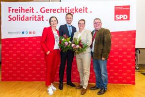 Kreisvorsitzende der Stadt-SPD Julia Stürmer-Hawlitschek, Landrat Florian Töpper, Martina Braum und Kreisvorsitzenden Kai Niklaus.