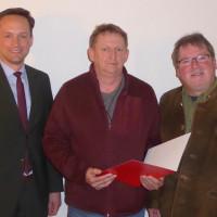 Im Bild (Kai-Holger Luckhardt) v.li.: Landrat Florian Töpper, Roger Treubert, SPD-Kreisvorsitzender Kai Niklaus