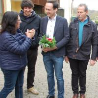 von links: Die beiden Grünen Kreissprecher Ayfer Rethschulte und Johannes Weiß, Landrat Florian Töpper (SPD), MdL/Grüne Paul Knoblach, Foto Hannes Helferich